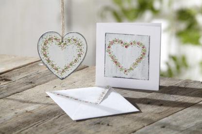 Photo of painted heart using Round Brush Starter Kit
